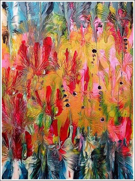 Эта 34-летняя художница мокает в краску грудь и рисует такие вот необычные
